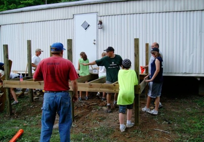 Kentucky-Indiana Ministries Volunteer Week