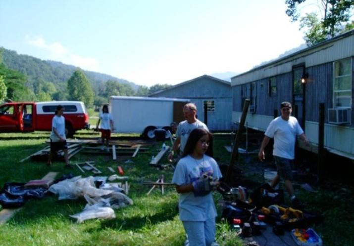 Kentucky-Indiana Ministries Volunteer Week
